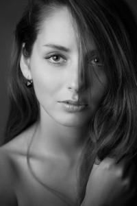Zoe Hemmingway - Portrait schwarz weiss